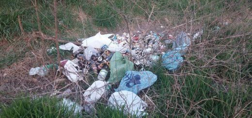 Egyre több hulladék a Szuglói körvasút sornál