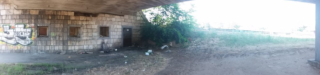 Hungária körúti felüljáró alatt. Fotó: hulladekvadasz.hu