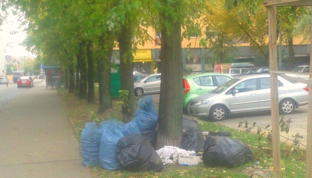 Szemeteszsákok a XIII. kerületi Pannónia utca – Tiszta utca sarkán (Frissítve)