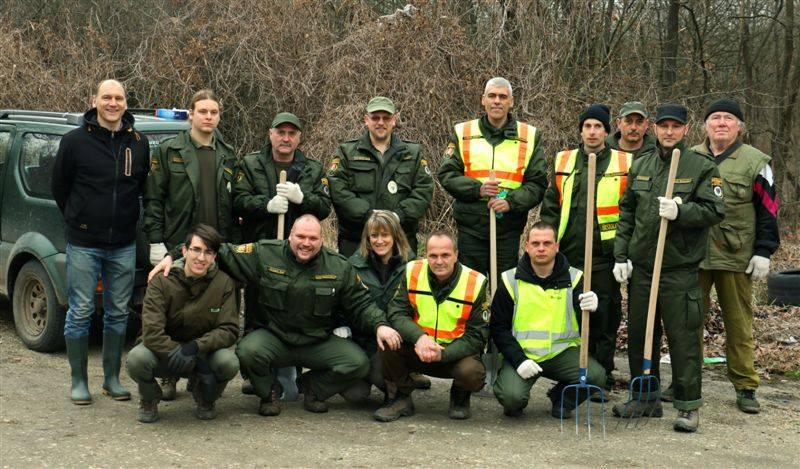 Őrzők A Rákosmente Mezei Őrszolgálat csapata egy korábbi eseményükön. Fotó: facebook.com/mezoor/