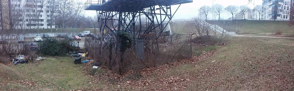 """""""Koszfészek"""" az Árpád híd pesti hídfője mellett. Fotó: hulladekvadasz.hu"""