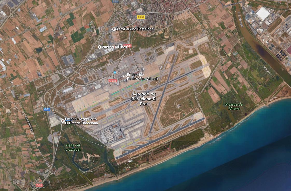 Szemétben gázolnak az utasok a barcelonai El Prat reptéren
