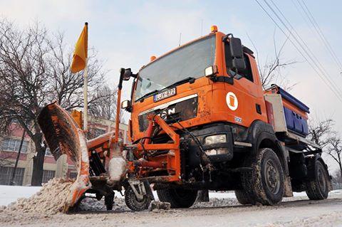 Hulladékelszállítás mellett a hó eltakarítását is az FKF Zrt. végzi. Fotó: FKF Zrt.