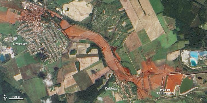 Devecser és Kolontár térsége a vörösiszap katasztrófa után. Fotó: wikipedia