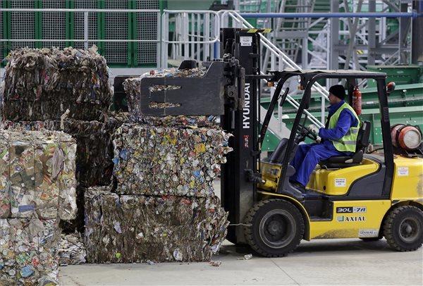 Lezárult a békéscsabai hulladékválogató próbaüzeme