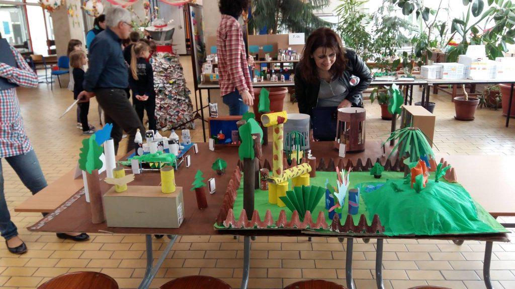 FKF Zrt. Edukációs Csoport papír-újrahasznosítási versenyen Fotó: facebook.com/FKFZrt