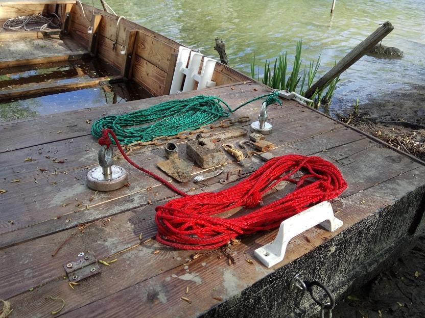Mágnes horgász felszerelés és a zsákmány. / Fotó: magneshorgaszat.hu
