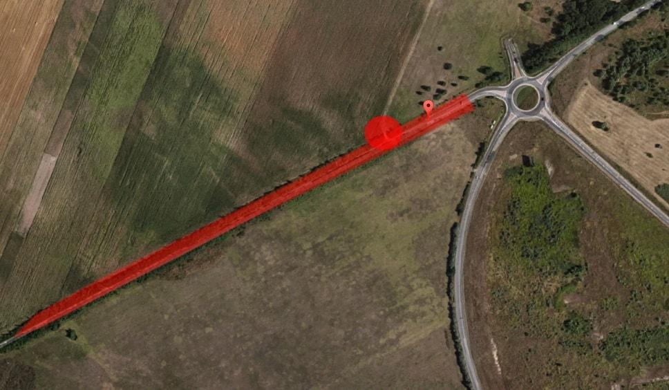 A bejelentő által megrajzolt illegális hulladékkal terhelt szakasz. / Fotó: Google Maps