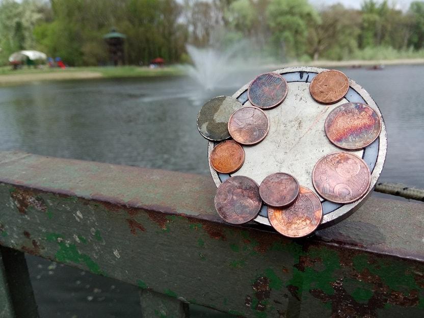 A kifogott érmék gyűjteménye. / Fotó: magneshorgaszat.hu