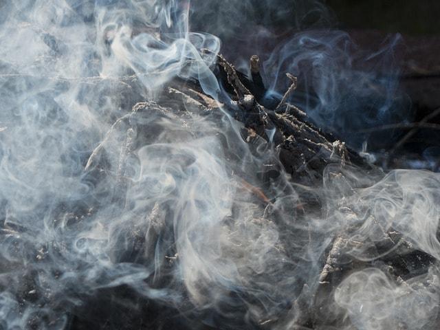 gyáli Tűzesetek gyakori látványa, a tűz és a füst. / Fotó: pixabay.com