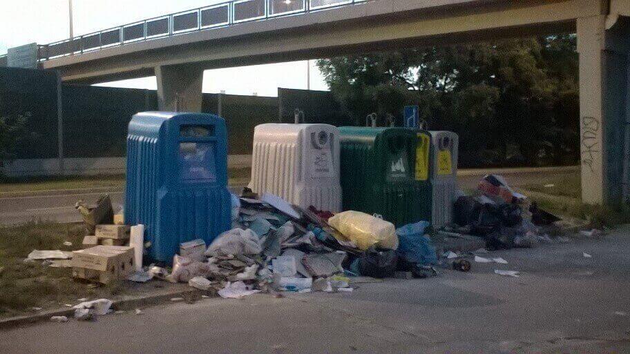 Zuglói szelektív vérlázító látványa. / Fotó: hulladekvadasz.hu