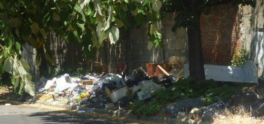 Kispesti Tóth Árpád utca hulladékhalma (videóbejelentés)