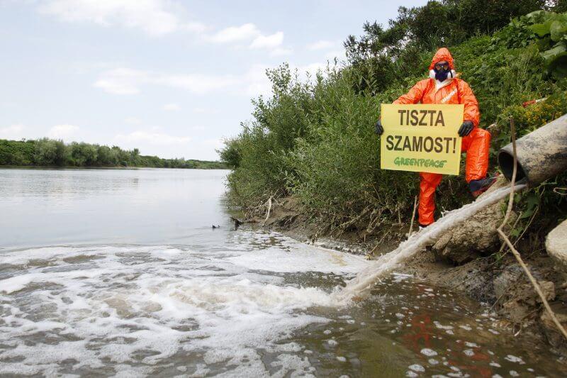 Szamos haldoklása- Fertőző, veszélyes hulladék ömlik a folyóba