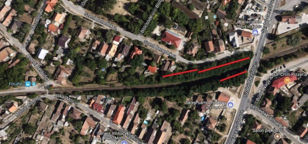 Fót A bejelentő által jelzett szemetes terület. / Fotó: Google Maps