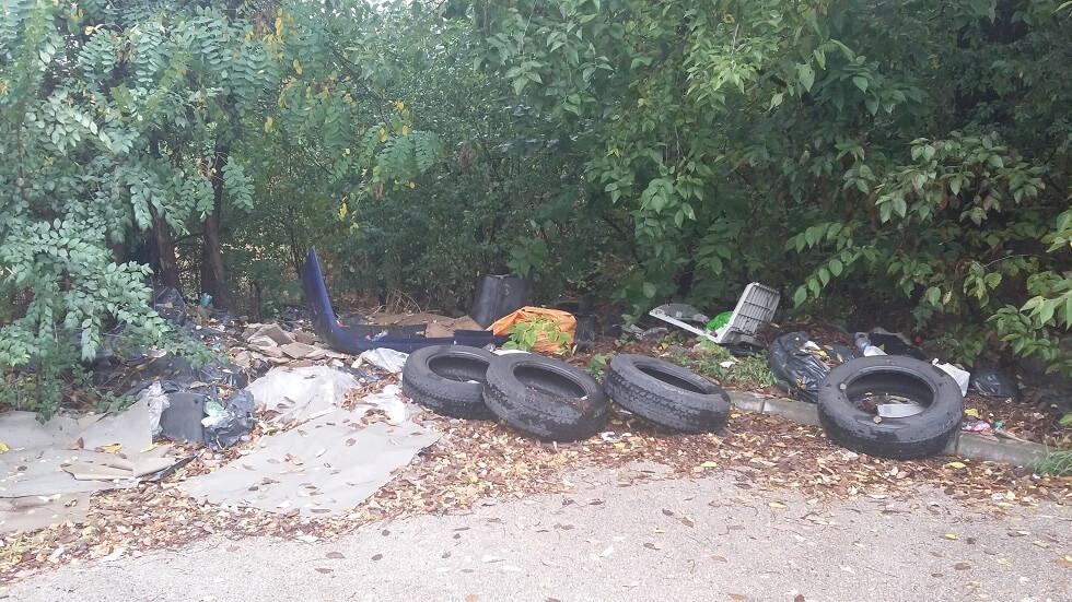 Airport City logisztikai park melletti hulladéklerakat. / Fotó: hulladekvadasz.hu
