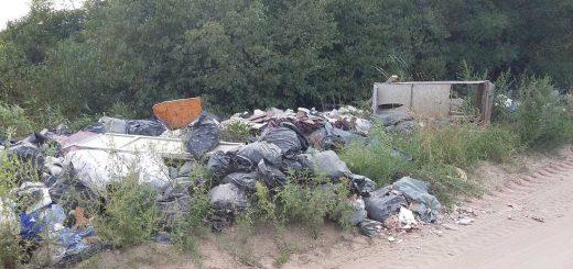 Gödi lehajtó illegális hulladéklerakatai