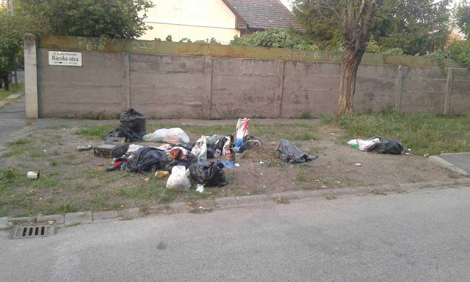 Bácska tér szelektíve helyén illegális hulladéklerakat (Frissítve)