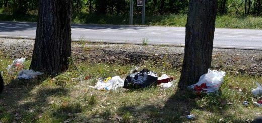 Tolcsva község határában 37-es főút hulladéklerakata
