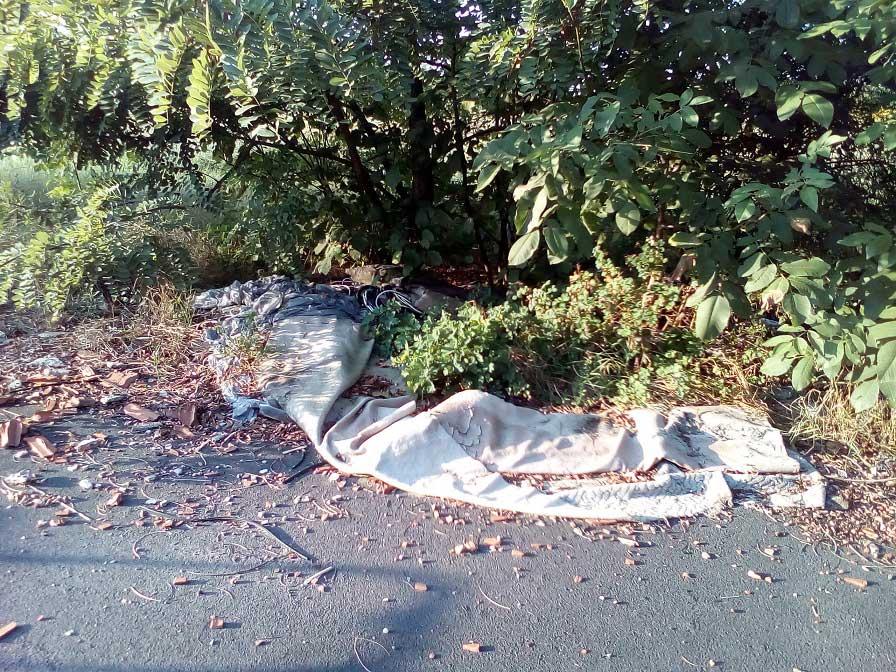 A Vecsey Ferenc utca illegális hulladéklerakata - ahol megjelent a szemét ott hamarosan több is várható. / Fotó: hulladekvadasz.hu