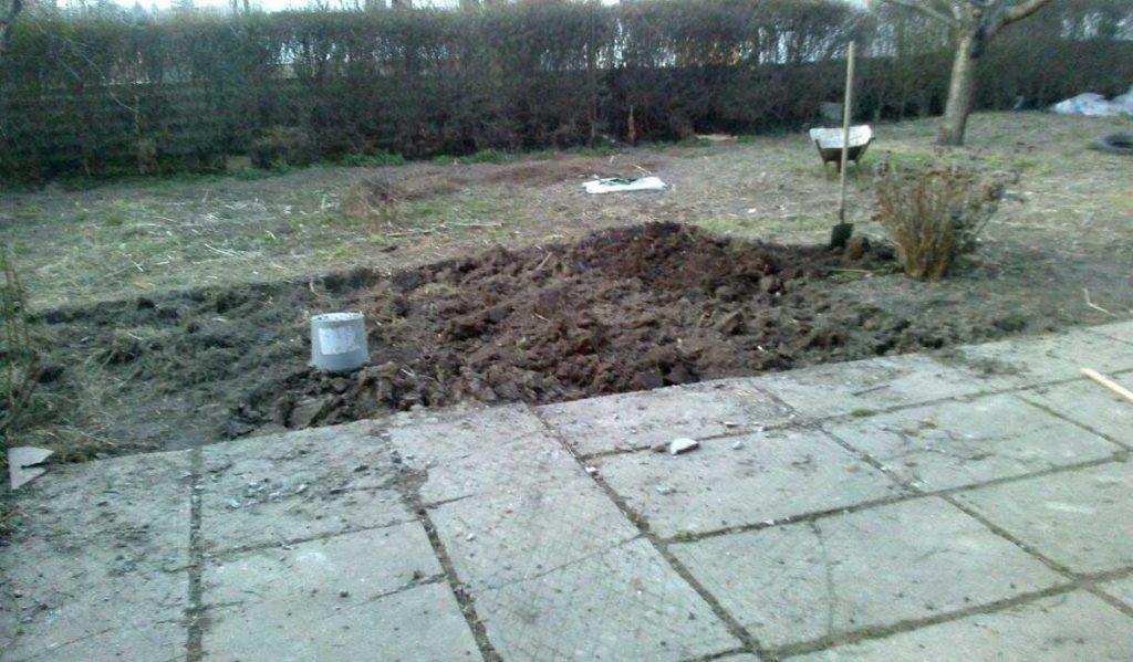 A terület előkészítése a kerítés létesítéséhez elengedhetetlen. / Fotó: hulladekvadasz.hu