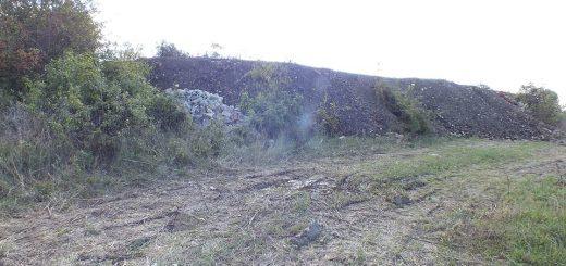 Régészeti és természetvédelmi területen több tonna sitt Érden