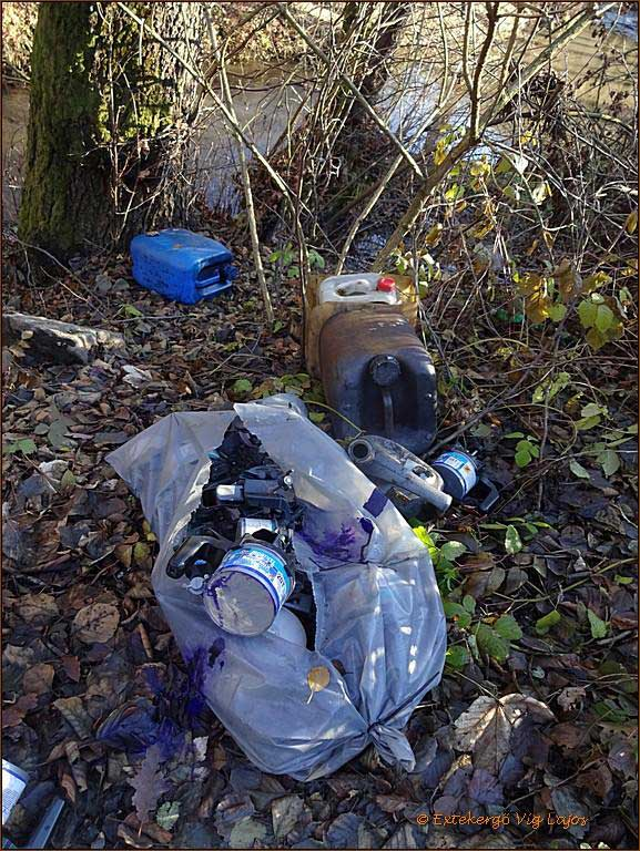 Sajnos túl széles a választék a helyszínen veszélyes hulladékból. / Fotó: hulladekvadasz.hu