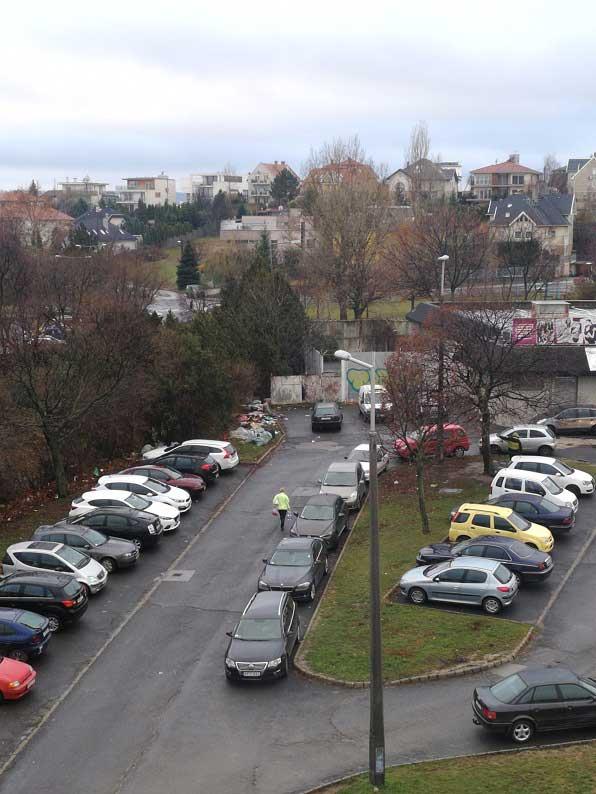Gazdagrét volt szelektívének a helyén most állandósult szemétdomb van. / Fotó: hulladekvadasz.hu