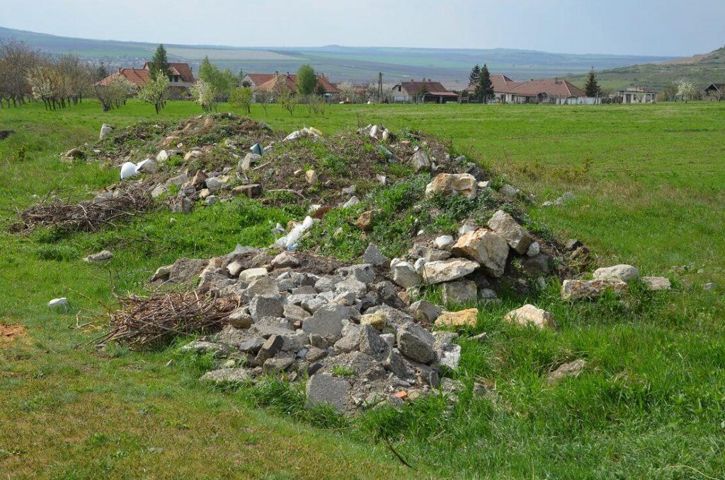 Vajon hány tonna hulladék lehet Tállya határában? / Fotó: hulladekvadasz.hu