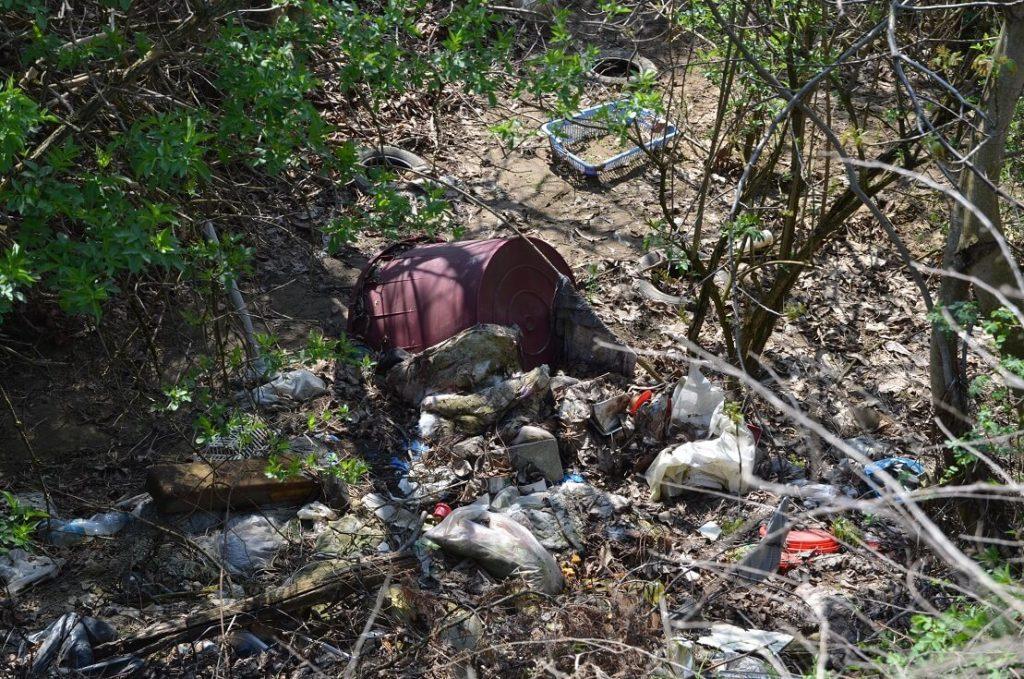Építési, műanyag, vegyi hulladék? Mi kell még?! / Fotó: hulladekvadasz.hu