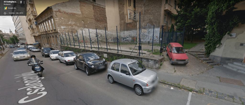 2014-ben a falfestés előtti állapotok, akkor még zárták a kaput. / Fotó: Google Maps