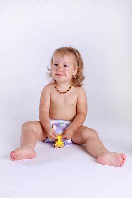 Panna 18 hónaposan, már szobatisztán, de a fotó kedvéért mosható pelenkában.
