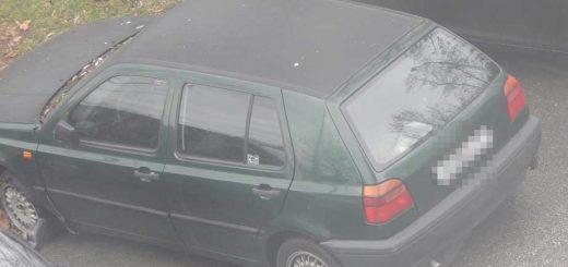 Szeged Szilléri sor autóroncsá váló autója