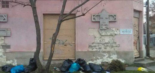 Jókai Mór utca és a Ilona utca sarkán szemétkupacok