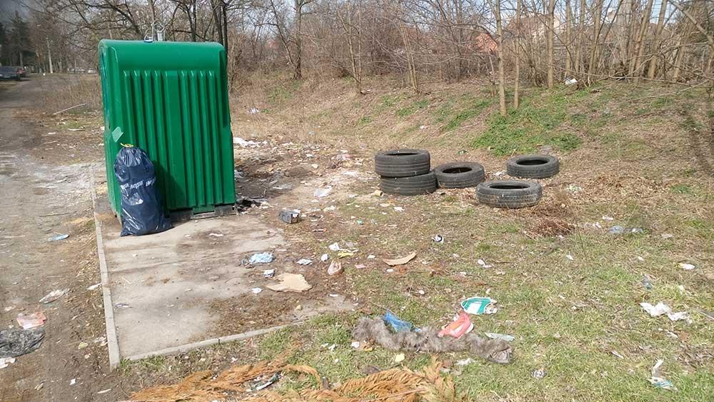 A körvasút sor szelektív hulladékgyűjtője, ismerős? / Fotó: hulladekvadasz.hu