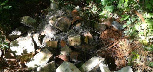 Hévízgyörki erdő illegális hulladéklerakata