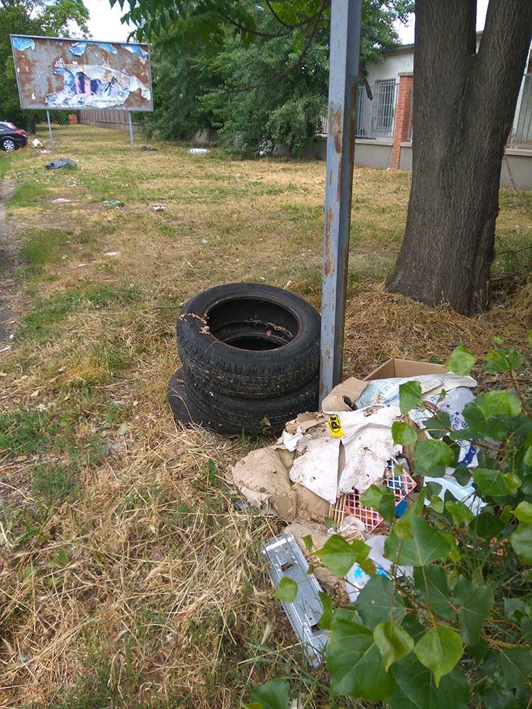 A hulladék vélhetően több hulladéklerakó személyt vonz be. / Fotó: hulladekvadasz.hu