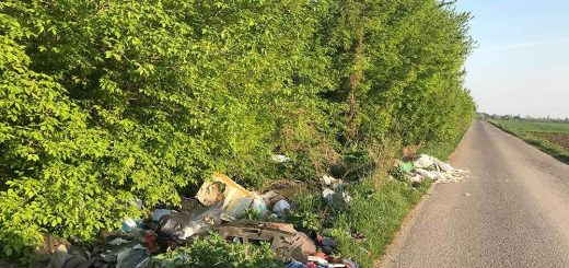 Szlobonya-sztráda hulladéklerakata Balatonszabadinál
