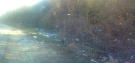 Szárliget külterületén hulladék