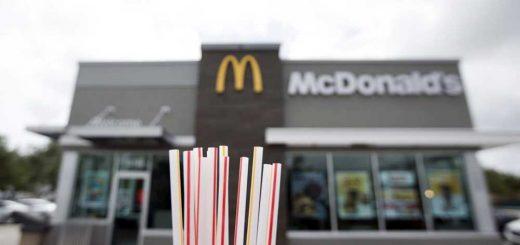 Fogyasztói nyomás: Papír szívószálakra vált a McDonald's