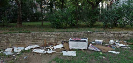 Lomtalanítás utáni szeméthalom Debrecenben