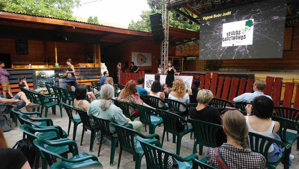 Boóc Judit előadása a gasztrohősök munkájáról, aminek már több mint 3 éve tagja. / Fotó: hulladekvadasz.hu