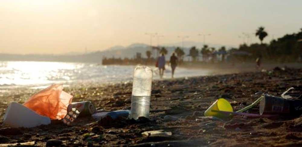 A Földközi-tengerhez látogató turisták akár 40%-kal is növelhetik a térség hulladékmennyiségét. / Fotó: PA