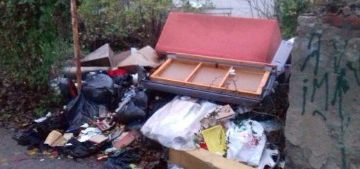 Dévényi út kommunális hulladékhalma a XIII. kerületben