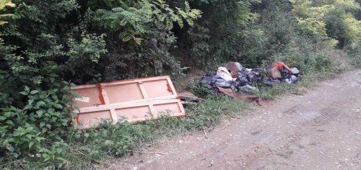 Görcsöny temető melletti hulladéklerakások