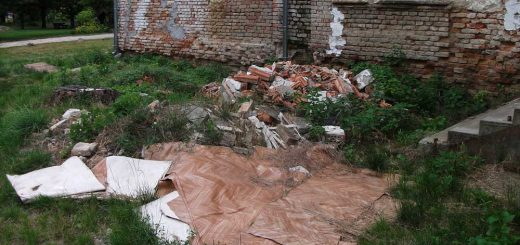 Zichy-kastély mögött hulladéklerakat