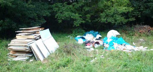 Sarjú út illegális hulladéklerakatai a Szilas-pataknál