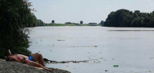 Strandolás hulladékban a Tiszán - Olvasói különvélemény