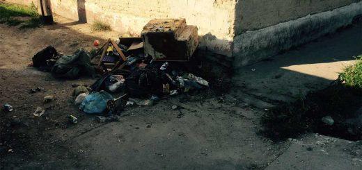 Kecskeméti Erzsébet Körút és Erzsébet utca sarkán hulladék