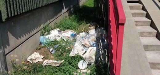 Irányi utca buszmegálló hulladéklerakata