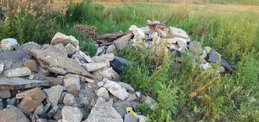 Barázda út mellett építési hulladék Szigetszentmiklóson